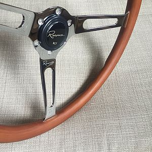 Renown Forest Series Grand Turismo Wood Steering Wheel